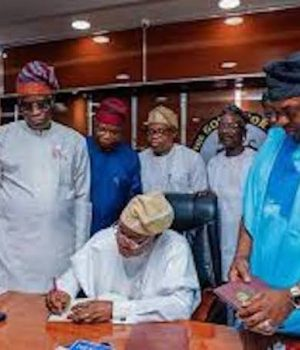 Oyetola signs 2020 Appropriation Bill into law