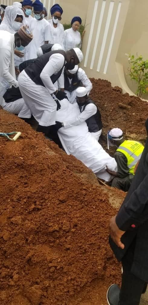 Check Out Pictures From Ajimobi's Burial
