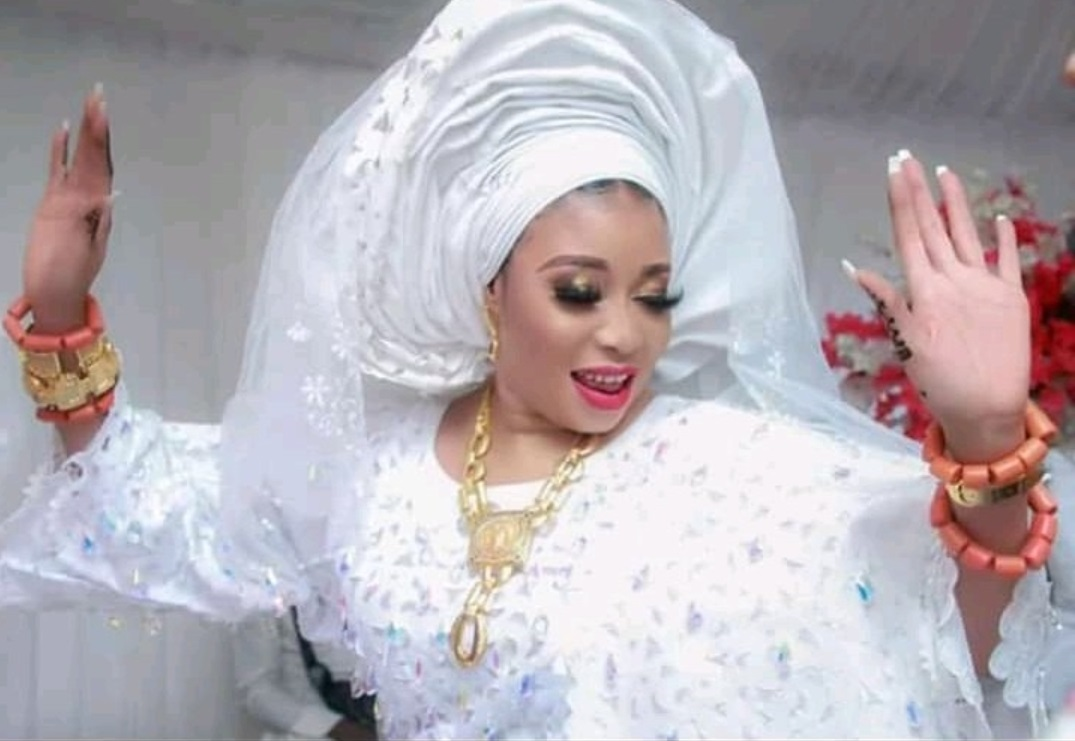 Is Lizzy Anjorin's new husband Lateef Lawal truly married to five wives?